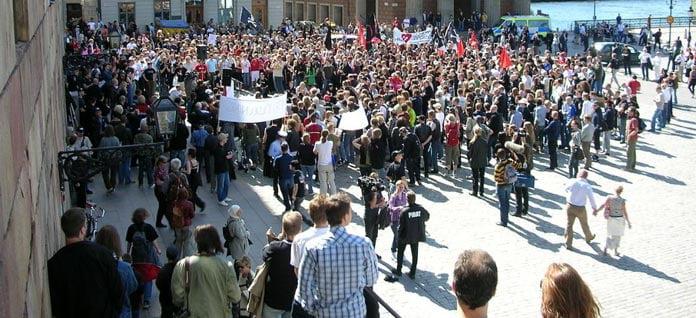 Demonstration i protest mot razzian 2006