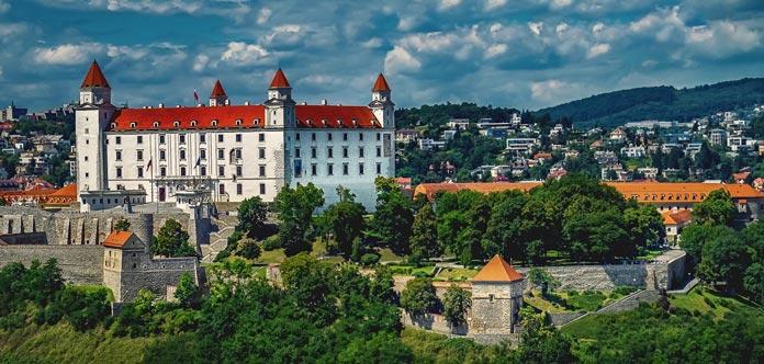 bratislava-1905408_1920