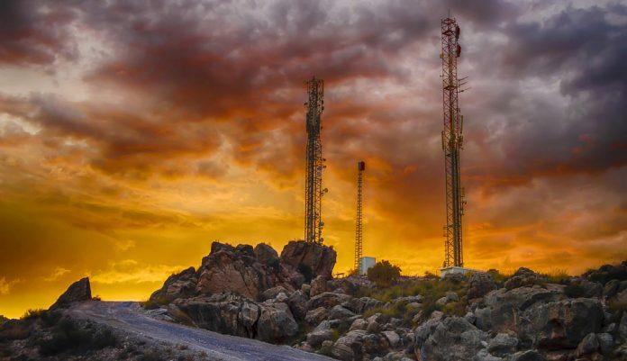 telecommunication-antennas-3667666_1280