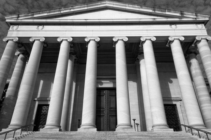 domstol