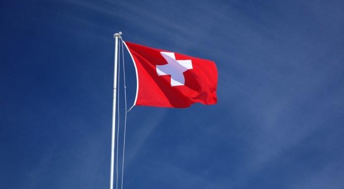schweiz-flagga