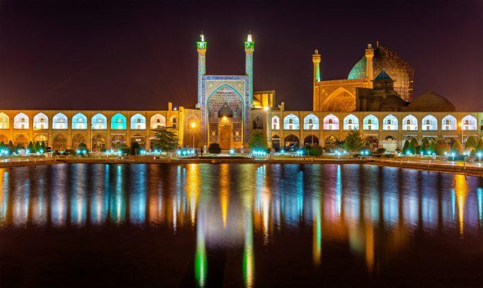 Moske i iran